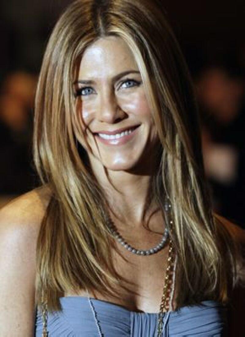 La actriz de 'Friends' desea dejar de ser la 'niña buena' en las películas para hacer algún papel de acción y aseguró que su gran sueño sería actuar junto a Daniel Craig.