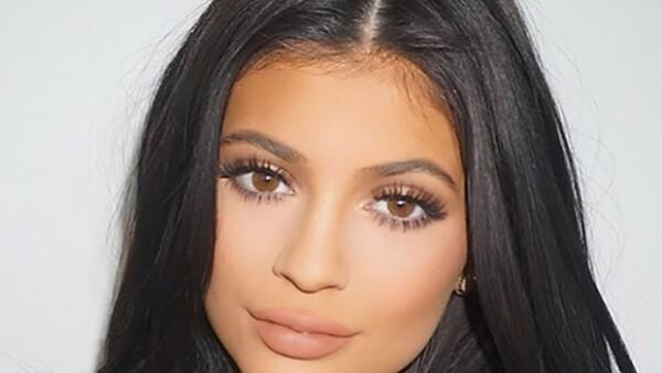 El maquillista comparte el look final de Kylie tras maquillarla.