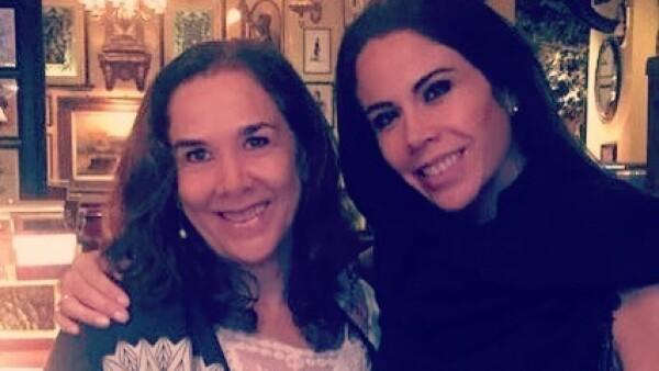 María Antonieta Hinojosa y Paola Rojas