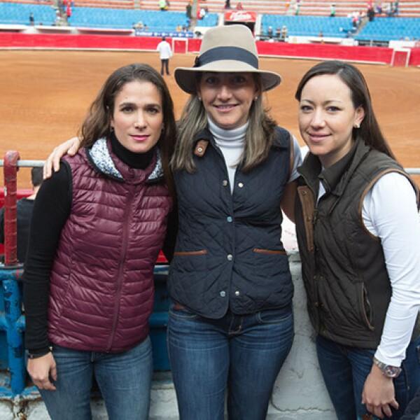 Erika Casas,Azul Aguelles,Sofía Arguelles