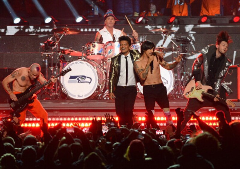 El show que había dado el cantante en compañía de la banda Red hot Chilli Peppers ha sido el más visto en la historia.