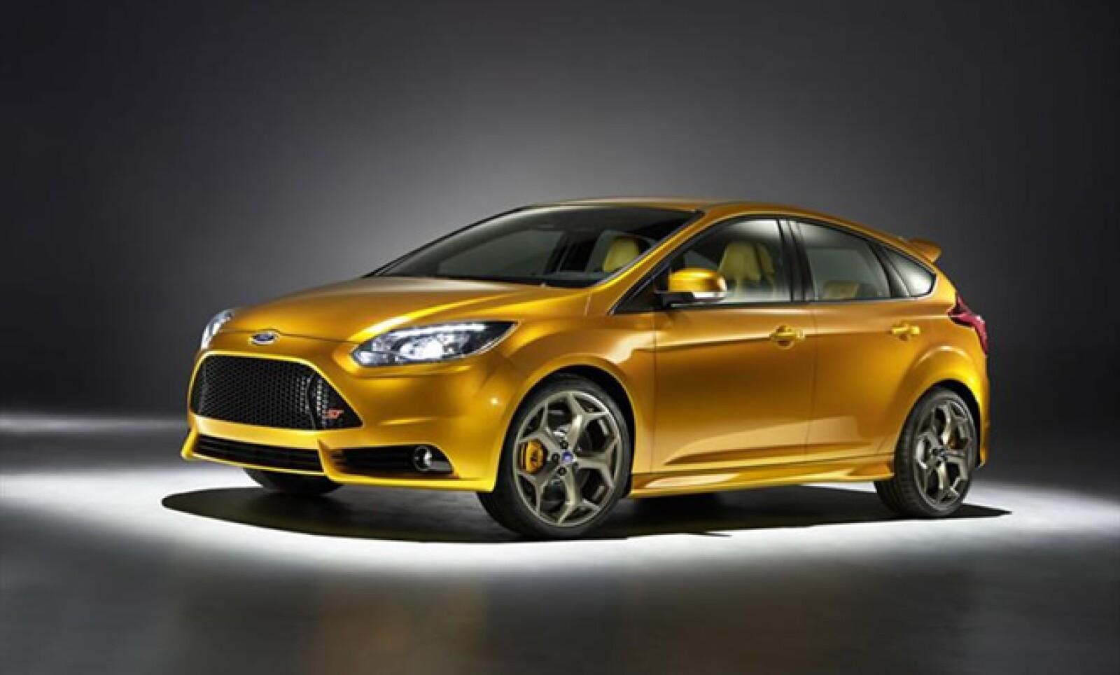 Este nuevo deportivo compacto opta por un nuevo motor de 4 cilindros Ecoboost de 2.0 litros de desplazamiento que entregará 247 hp.