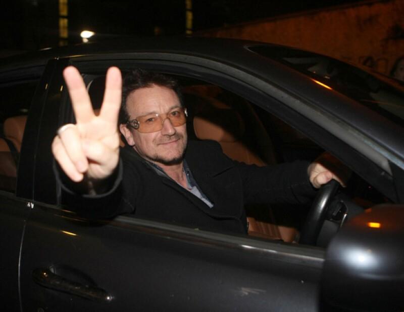 Gracias a la salida a la bolsa de Nueva York de las acciones de Facebook, el líder de U2 suma una fortuna personal de 1,527 millones de dólares.