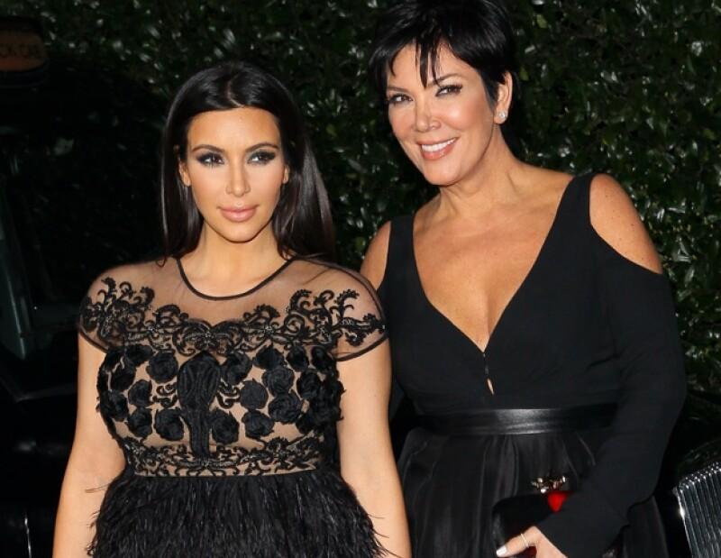 Esta noticia podría ser cierta, pues la actriz recibió tratamiento debido a sus problemas de fertilidad; además de que si fueran gemelos, éstos se convertirían en los primeros de la familia Kardashian