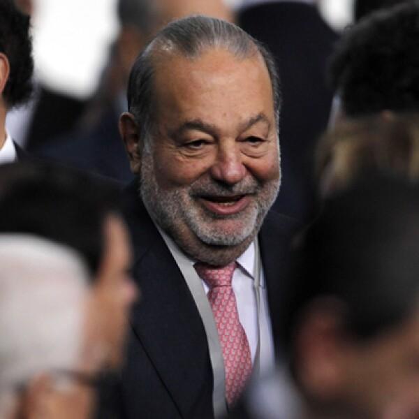 El empresario Carlos Slim Helú estuvo entre los invitados al primer mensaje de Enrique Peña Nieto como presidente de México.