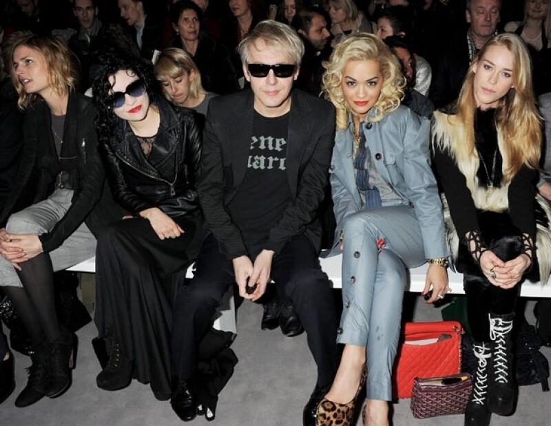 Rita Ora en el desfile de Vivienne Westwood.