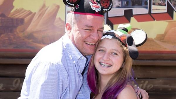 A finales de agosto pasado el productor de televisión decidió consentir a su hija de 13 años en California Adventure, donde se divirtieron en grande.