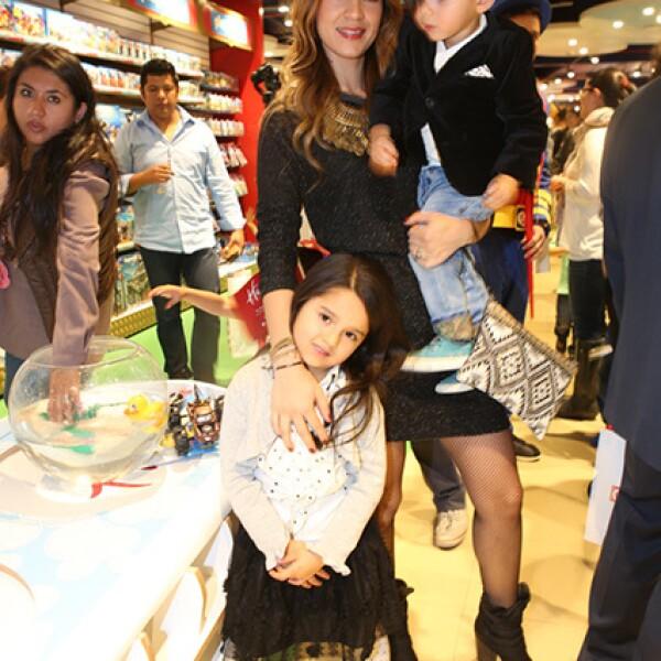 Brenda Rubio, Iker y Mia Mendoza