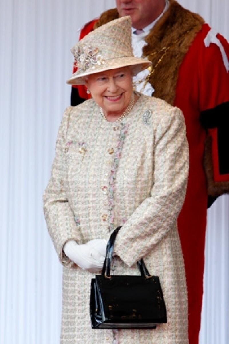 El chef personal de la reina, Darren McGrady, aseguró que la monarca tiene gustos muy específicos, por ejemplo: gusta por el pescado blanco, pollo asado y el famoso cereal Special K.