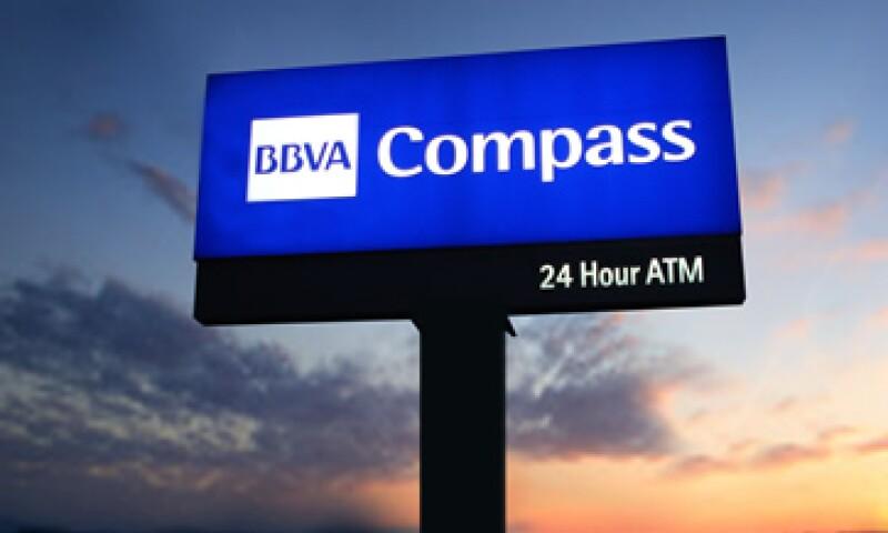 Los bonos de BBVA registraron una demanda de 2,500 mdd al inicio de las operaciones. (Foto: AP)