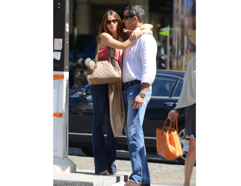 La actriz confirmó recientemente que se casará con el empresario Nick Loeb, pero se abstiene de revelar los detalles del enlace, ni siquiera confía a su amiga de &#39Modern Family&#39 Julie Bowen.