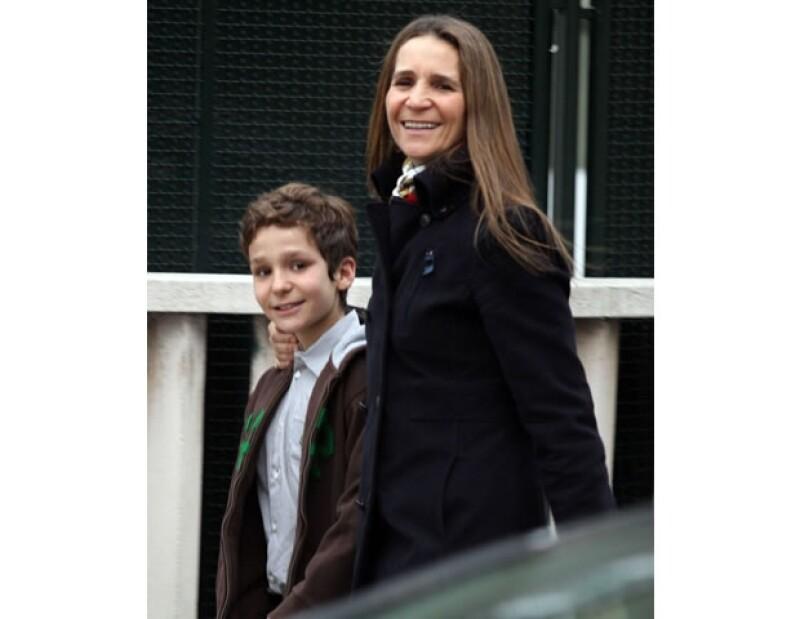 Dicen que su madre, la infanta Elena, lo consiente demasiado.