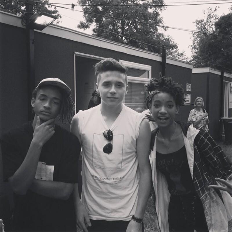 El Instagram de Brooklyn Beckham se llena cada vez más de fotos de con famosos. En las más recientes aparece con los hermanos Jaden y Willow Smith, así como con Niall Horan.
