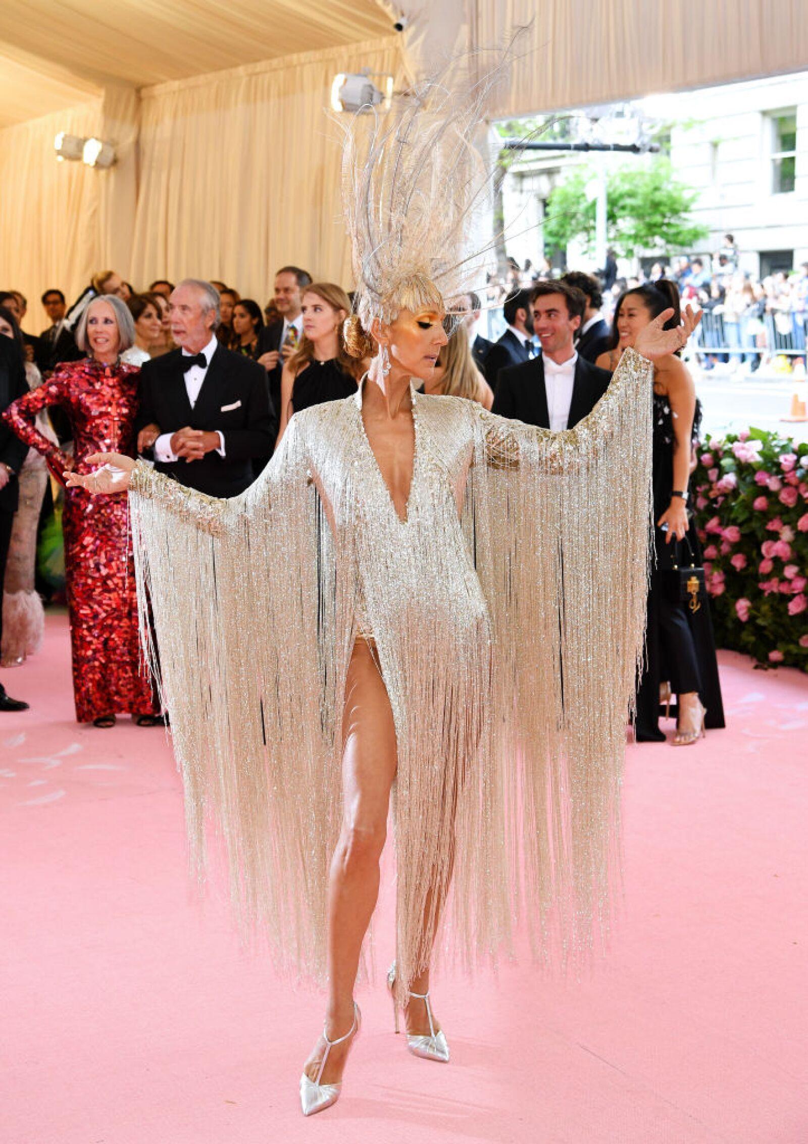 Celine Dion en la Met Gala 2019 con un vestido de Oscar de la Renta