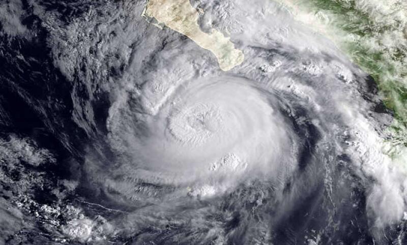 El huracán tocaría Los Cabos la mañana del miércoles, alertaron autoridades. (Foto: AP)