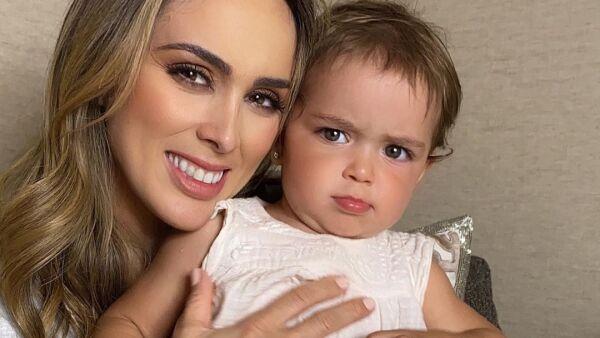 Jacky Bracamontes y su hija Paula