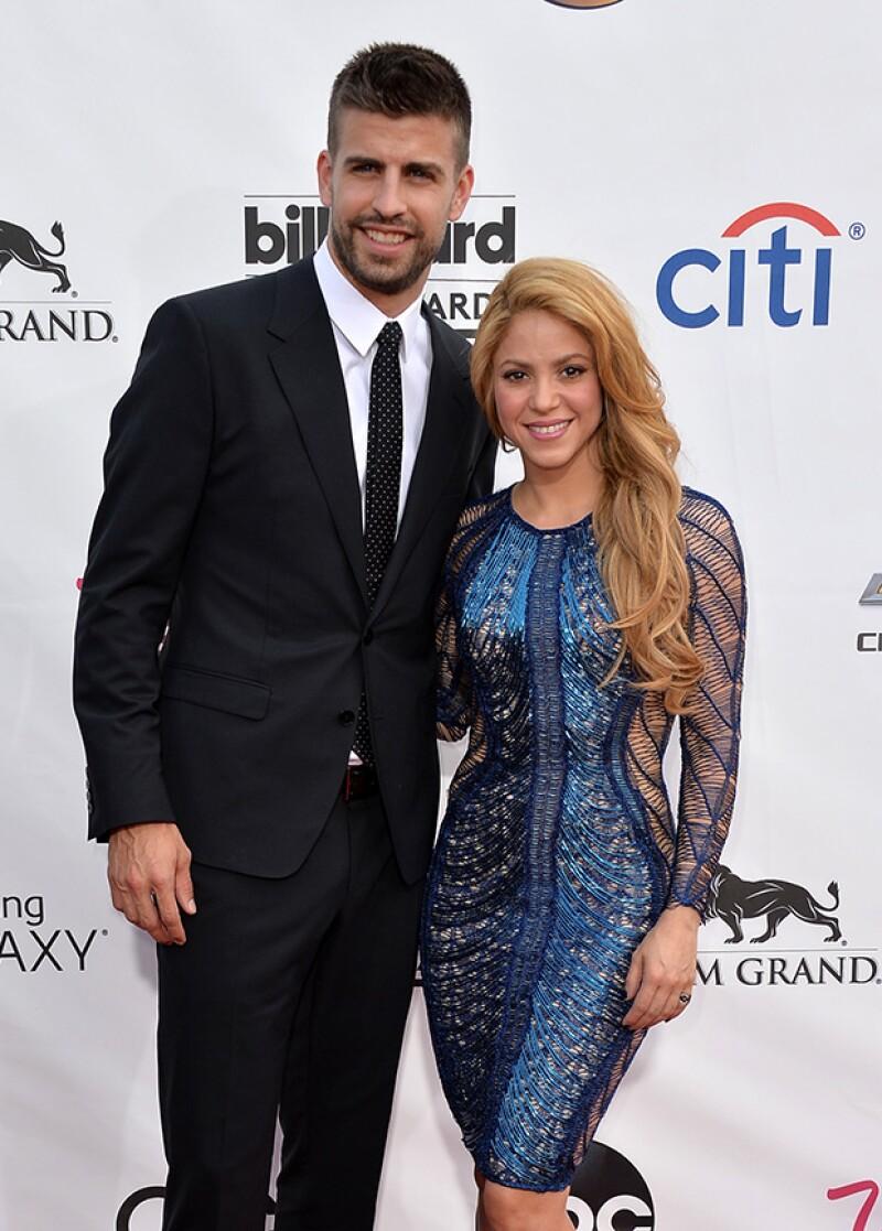 A la cantante le molesta que su pareja, el futbolista Gerard Piqué, no pueda viajar tanto como a ella le gustaría debido a su trabajo.