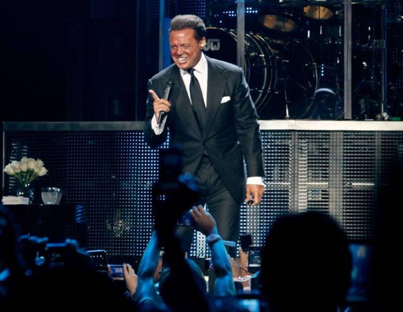 """El cantante mexicano se presentará en dicho recinto en enero y febrero próximos, confirmando 10 fechas de """"The hits tour 2013""""."""