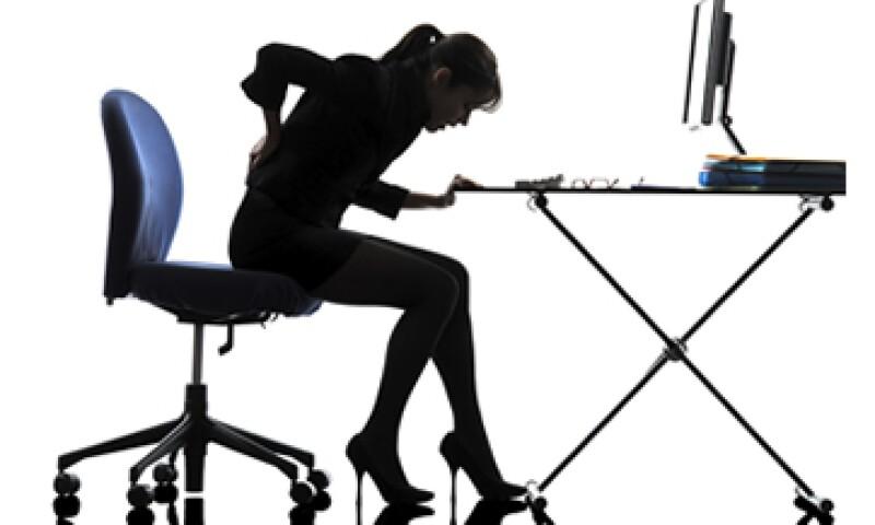 """""""Estar sentados es el equivalente al hábito de fumar de nuestra generación"""", dice JP Labrosse, CEO de la firma Stir. (Foto: iStock by Getty Images)"""
