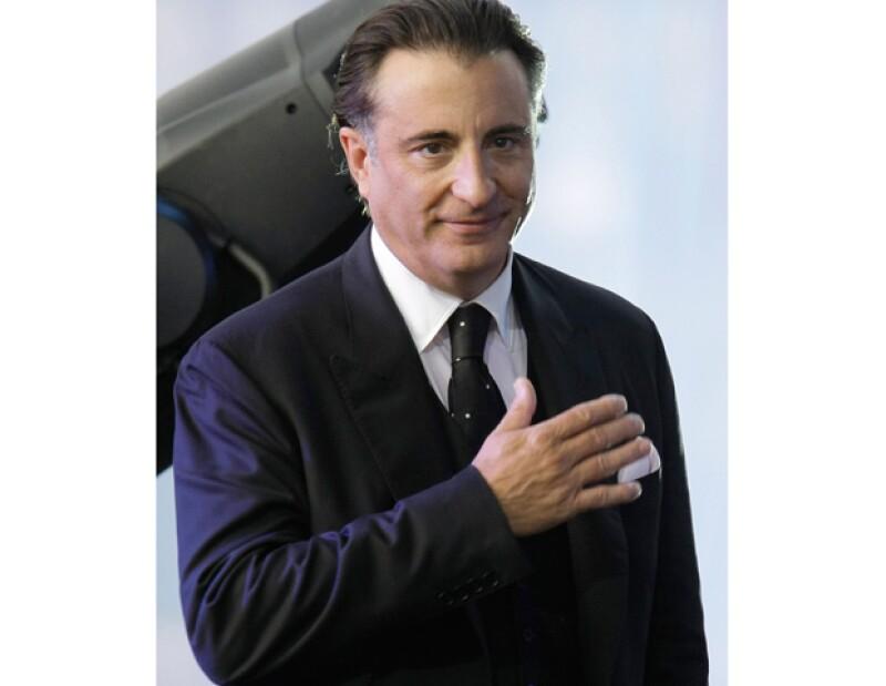 El actor reconoció que a sus recién cumplidos 56 años, `no tiene nada que pedir´; ha aprendido que la libertad y el respeto son los máximos valores de la humanidad.