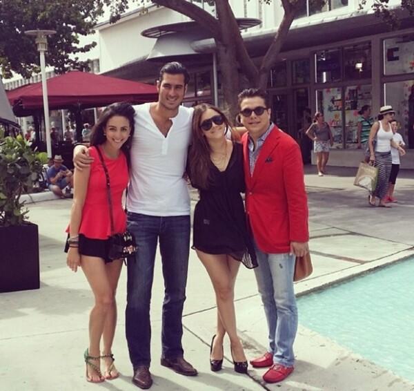 Chantal, Miguel Torruco, Sherlyn y Gerardo Islas pasaron una tarde entre amigos en Miami. Al parecer se reúnen constantemente por motivos de trabajo.