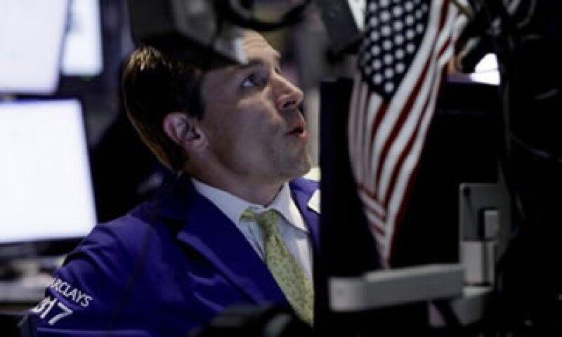 El ánimo de los inversores también se vio afectado por  las ganancias corporativas de empresas estadounidenses. (Foto: AP)