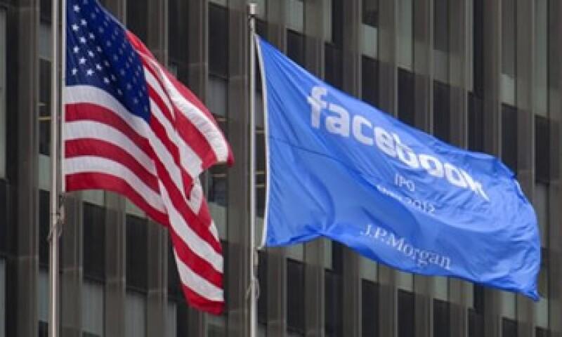El valor de Facebook tras su OPI, superará los 23,000 mdd que registró Google durante su salida a la Bolsa. (Foto: Reuters)