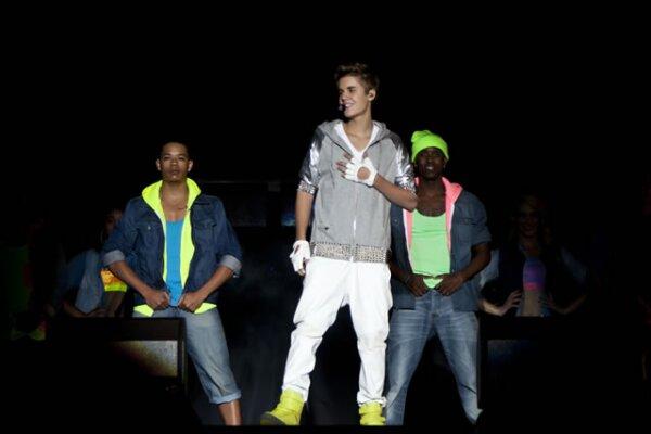 `México, hace algunos años yo empecé sin nada, pero quiero decirles a todos ustedes que crean en los sueños porque un día se cumplirán´, expresó Bieber a la audiencia que denotó un grito de algarabía.