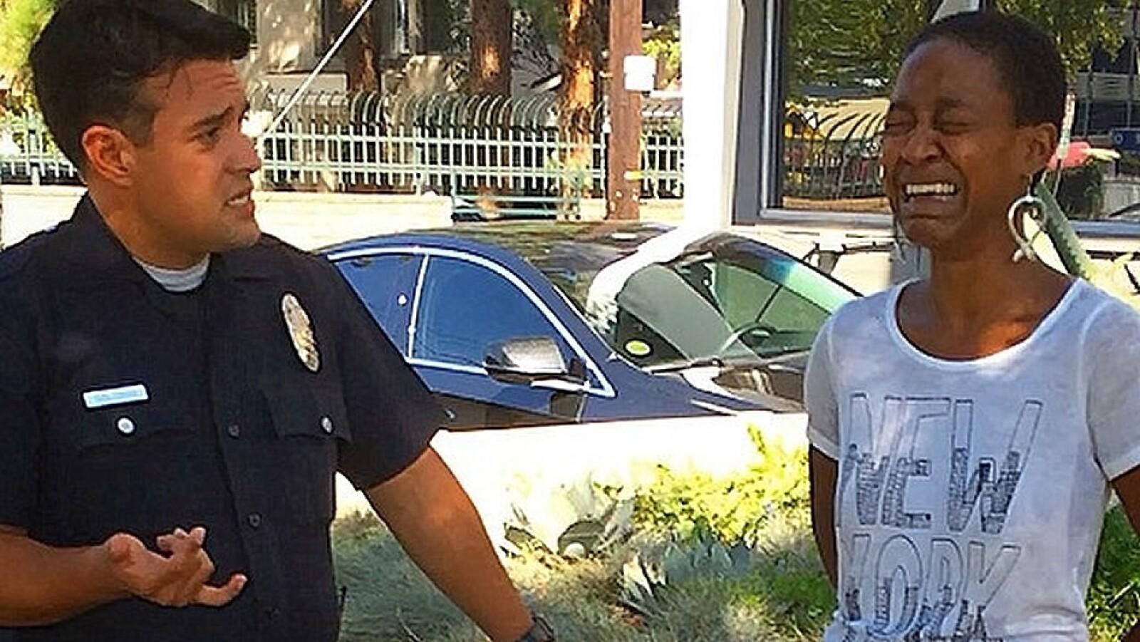 Daniele Watts arrestada esposada llanto