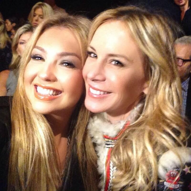 La cantante compartió en redes sociales cómo fue la pasarela de su amigo Tommy Hilfiger, en la que estuvo sentada en primera fila acompañada de Tommy Mottola y Dee Ocleppo, esposa del diseñador.