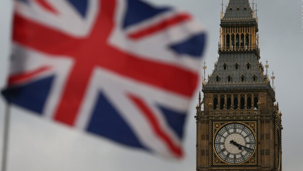 Parlamento británico da luz verde al Brexit