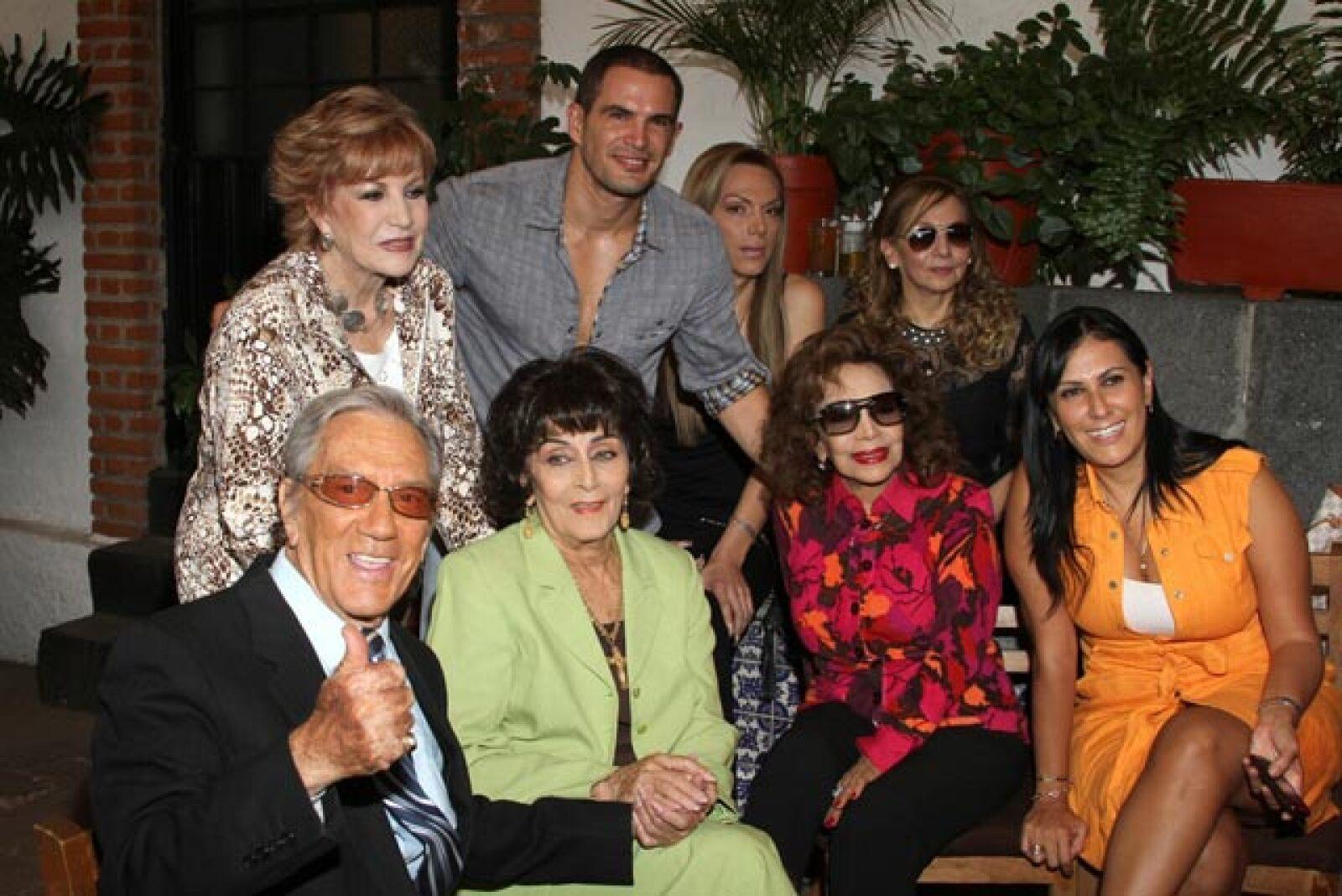 Joaquin Cordero, Maxine Woodside, Julio Camejo, Maria Victoria.