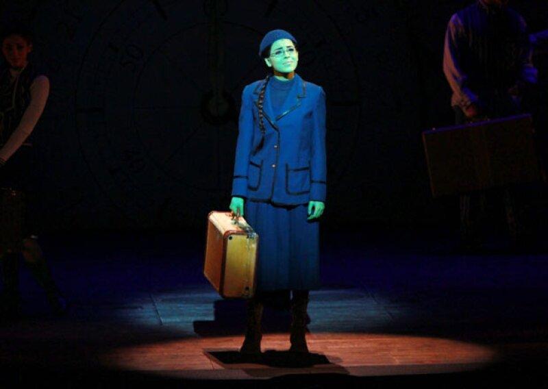 Recientemente Danna terminó su papel en Wicked.