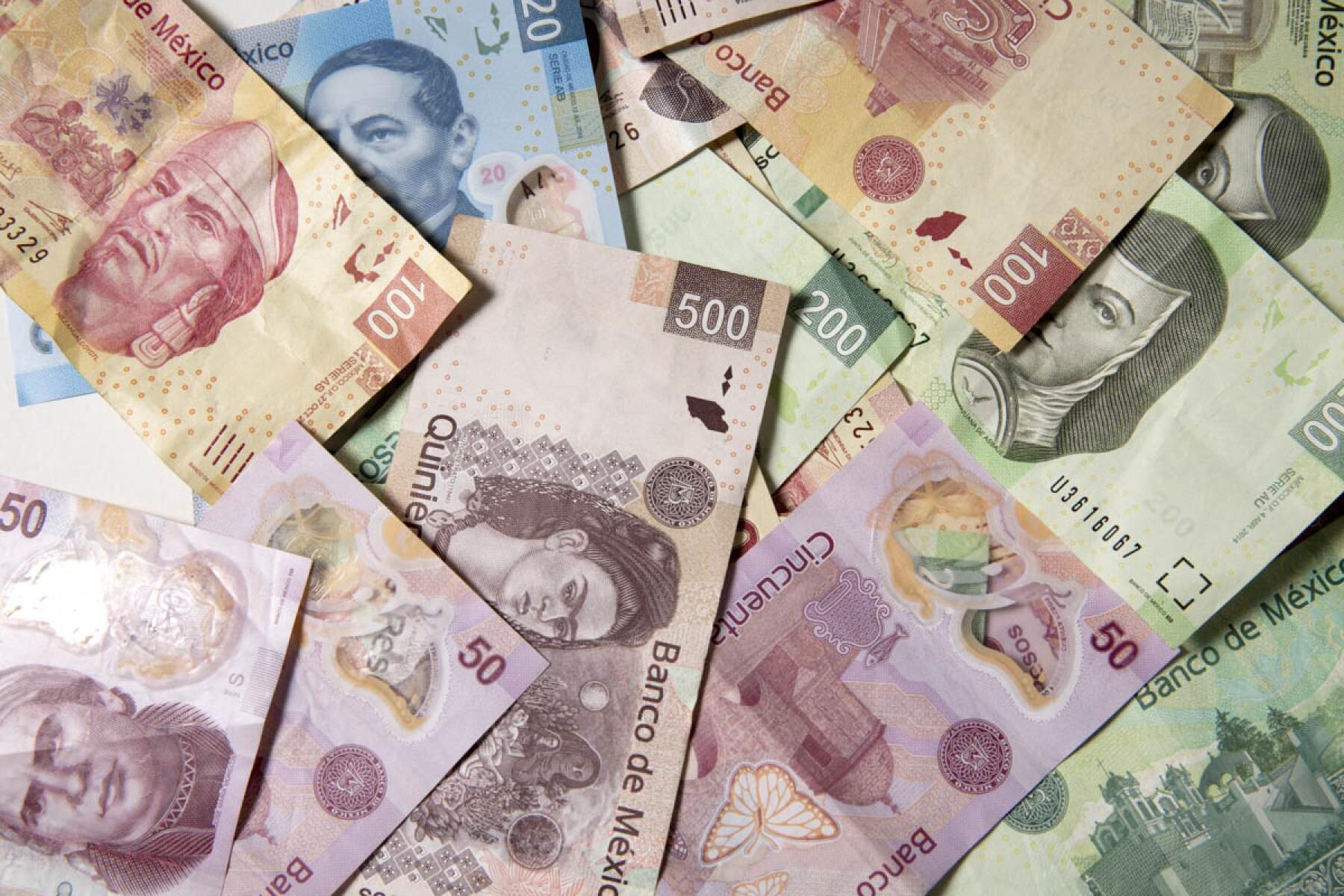 Billetes Pesos Mexicanos Hacienda gobierno colocación UDIS