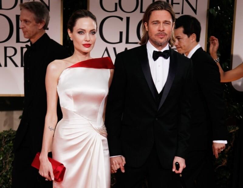 Angelina y Brad acudieron muy elegantes a la gala de esta noche de los Globos de Oro.