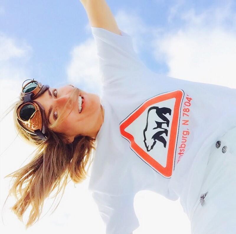 La conductora mexicana y la modelo llegaron a su nuevo destino, desde el cual han aprovechado para compartir en Instagram y expresar el amor que se tienen.