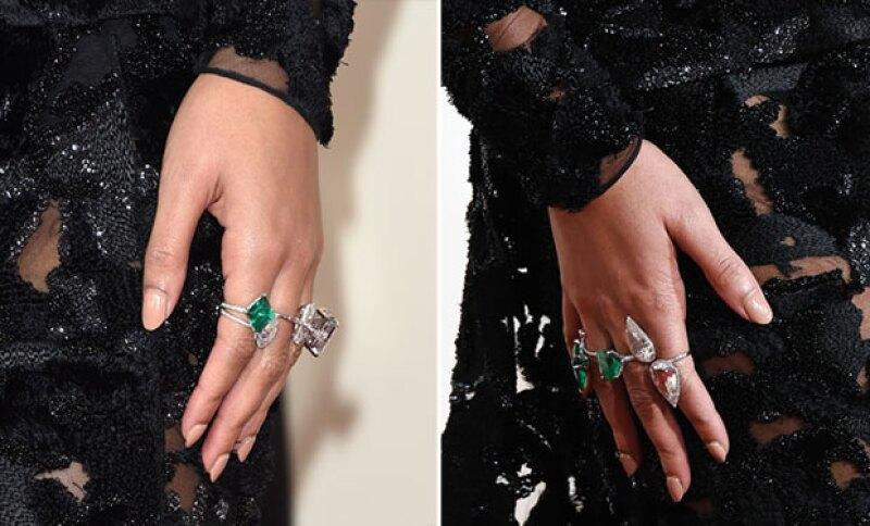 Seis anillos de diamantes y esmeraldas lucieron en las manos de Beyoncé.