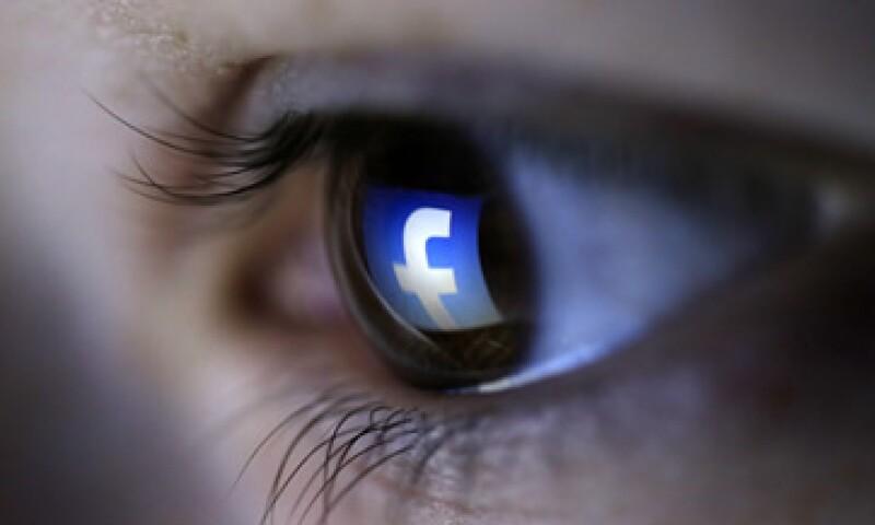 Tener dos cuentas de Facebook incumple con las condiciones impuestas por la red social. (Foto: Reuters)