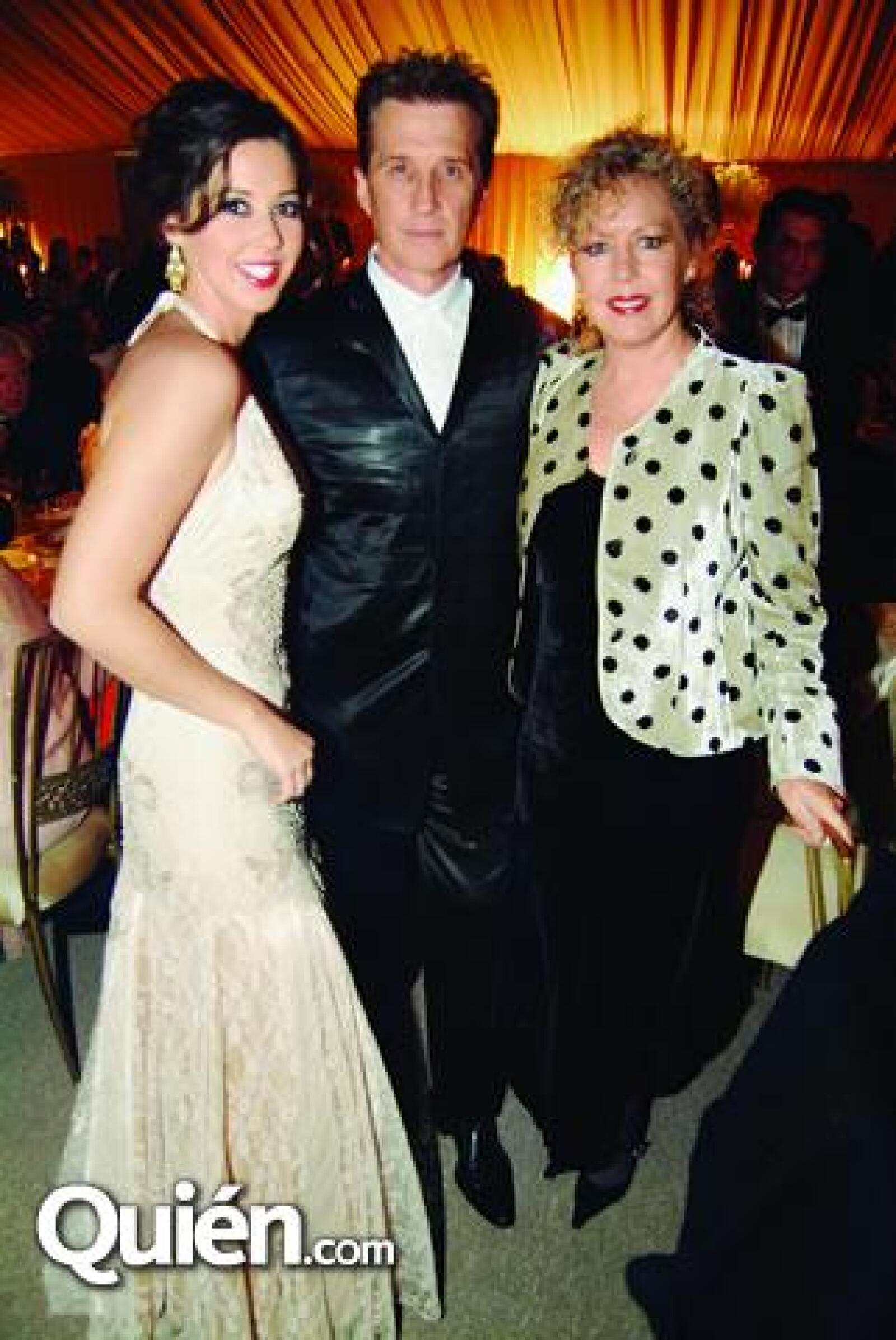 Familia Acha Alemán: Giovanna Acha,Emmnauel y Mercedes Alemán