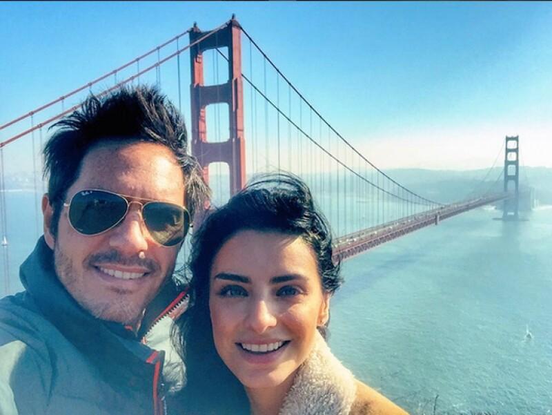 La guapa pareja de actores empezó la celebración desde hace unos días al hacer un roadtrip por California, Estados Unidos.