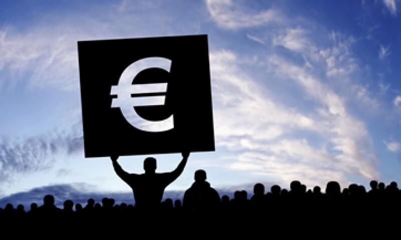 El euro llegó a caer a 1.18605 dólares en las transacciones en Asia. (Foto: iStock by Getty Images. )