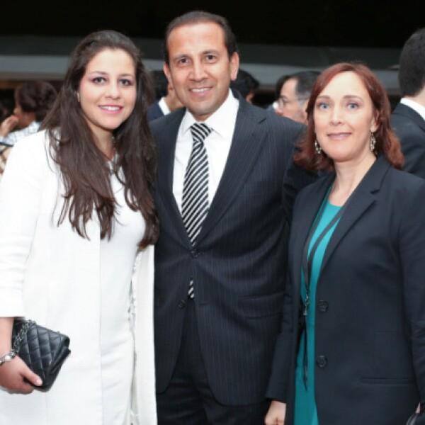 Regina Monroy, Mauricio Monroy e Irma Aguilar.