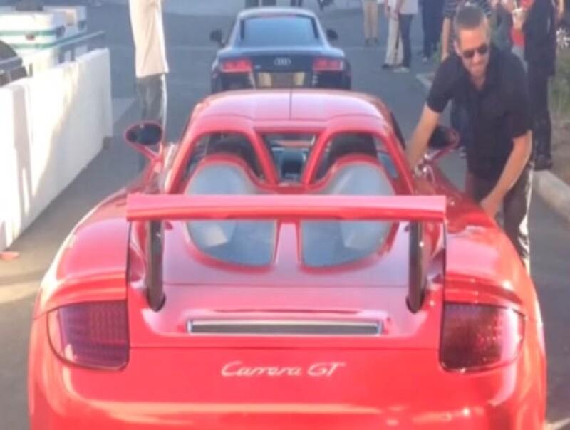 Paul subió al Porsche con su amigo Roger Rodas de manera repentina.