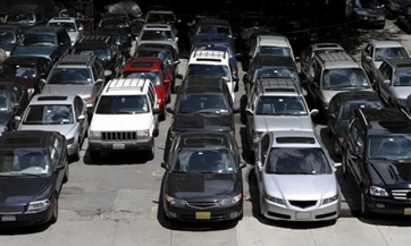 Cinco empresas funcionan como intermediarias de otras 200 para importar autos usados desde Estados Unidos. (Foto: Getty Images)