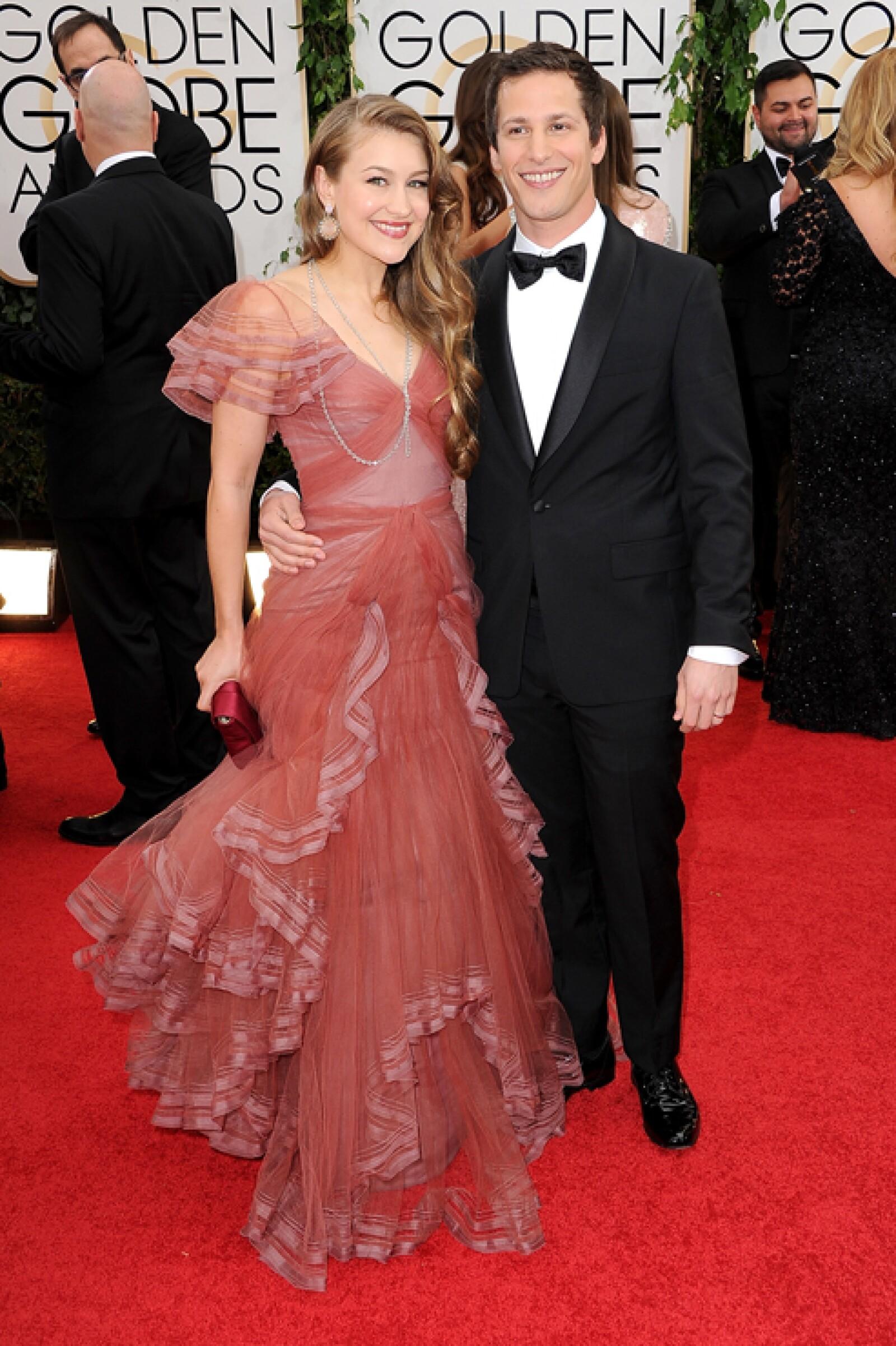 Andy Samberg llegó acompañado de su nueva esposa Joanna Newsom