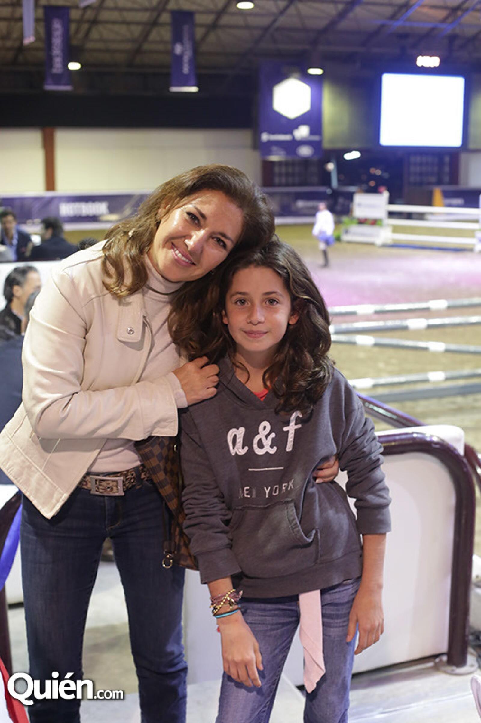 Enriqueta Medina y Juliana Albán