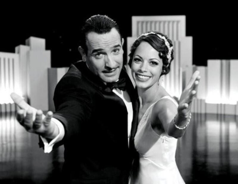 La película nominada al Oscar por Mejor Diseño de Vestuario, evoca la esencia hedonista de esta época de la mano de Bérénice Bejo, quien remite al estilo de la actriz Joan Crawford.