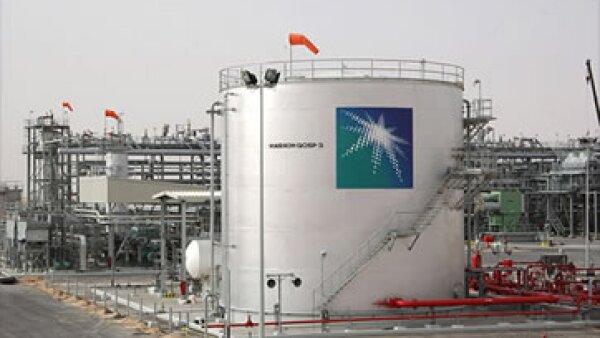 El ataque a la petrolera saudí, Aramco, destruyó alrededor de 30,000 computadoras corporativas.  (Foto: Cortesía CNNMoney)