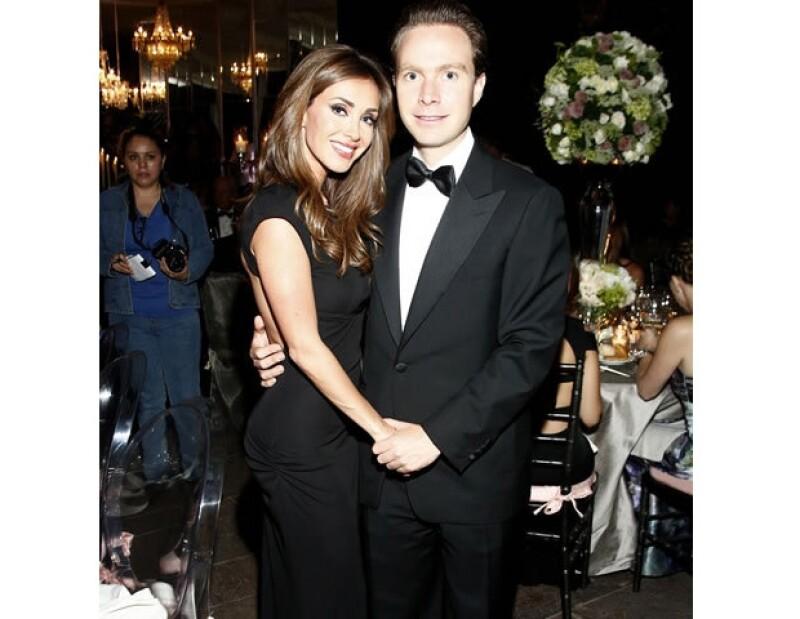 Hace un par de semanas se les vio muy felices en la boda de Jorge Goñi y Dorin Urich.
