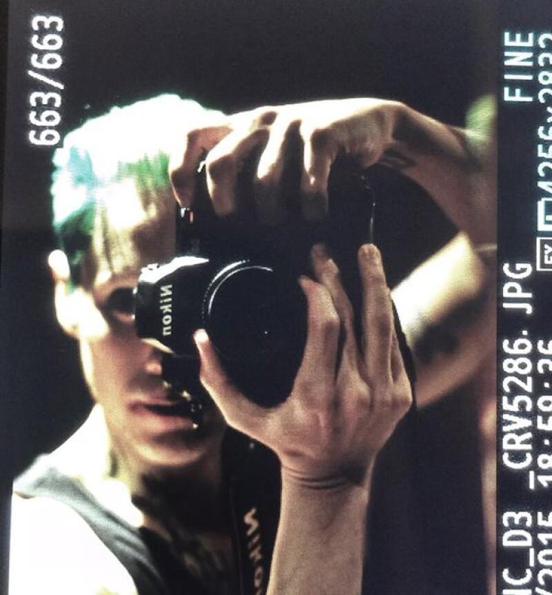 El director David Ayer reveló en Twitter la primera foto del actor que dará vida al personaje interpretado anteriormente por Jack Nicholson y Heath Ledger.